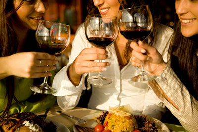 Comment organiser une soirée dégustation de vins français ?