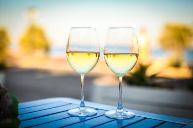 Quels sont les meilleurs vins blancs à boire l'été ?