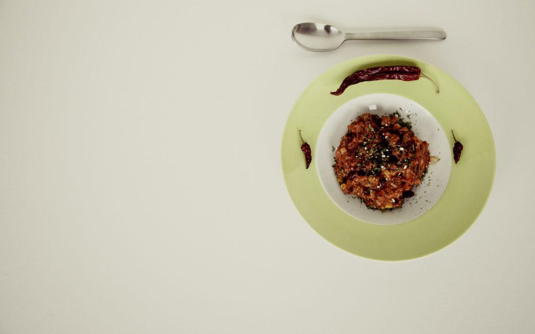Epices chili con carne : Voici la recette d'un plat riche et épicé à associer à un vin rouge de Bordeaux