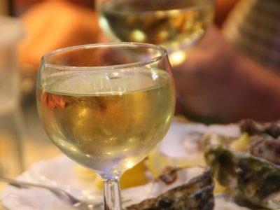 Bourriche huitre : Les vins à déguster avec les huîtres