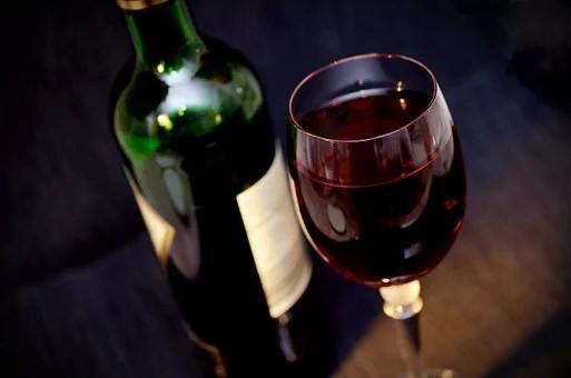 Comment devenir un professionnel des vins et spiritueux ?