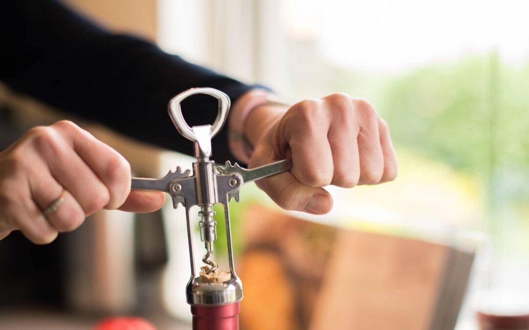 Découvrez les différentes façons d'ouvrir une bouteille de vin