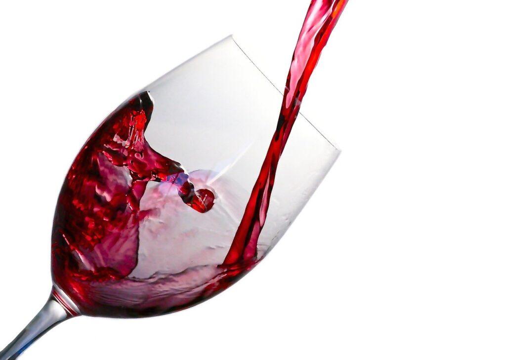 verser du vin rouge